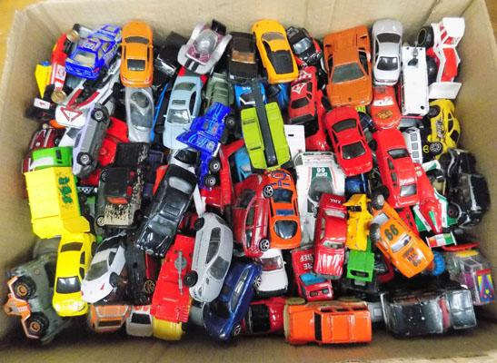 Large selection of die cast cars & other cars