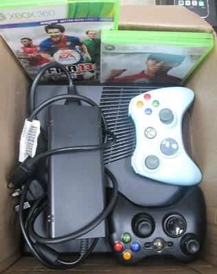Xbox 360 with 2 games, 2 controllers W/O