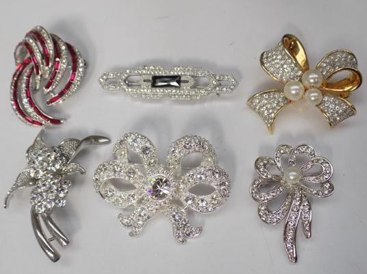 Collection of quality brooches