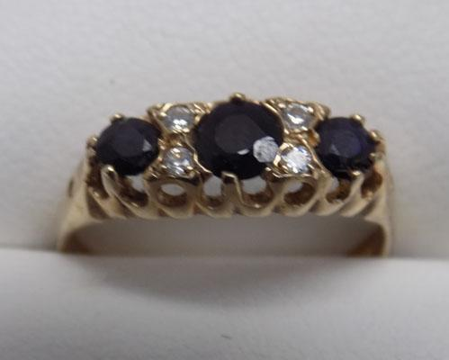 9ct Gold Sapphire trilogy ring