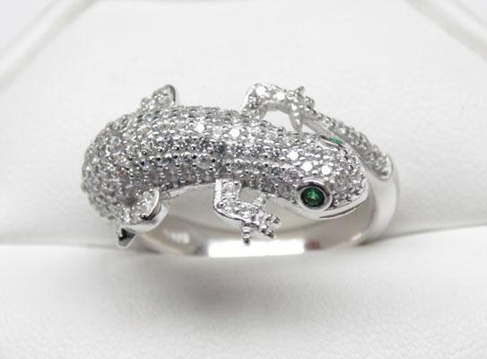 Solid silver Lizard ring white stone set body Emerald eye size S