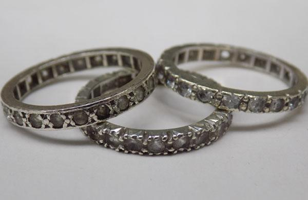 3x 9ct White gold rings