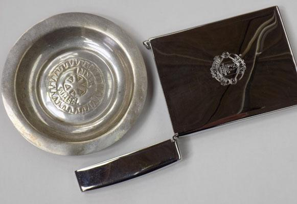 Manchester United silver card holder & silver pin tray