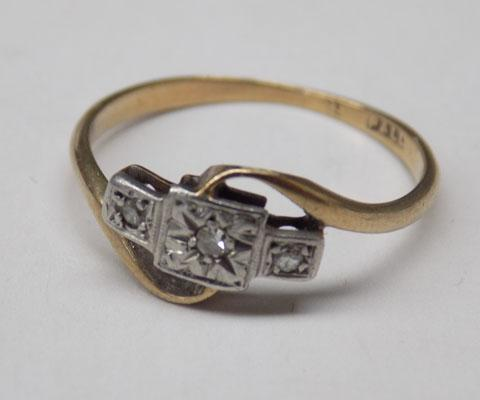 9ct Gold & Diamond ring-size approx L