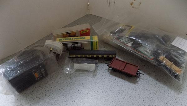 Selection of 'N' gauge parts (inc power pack)