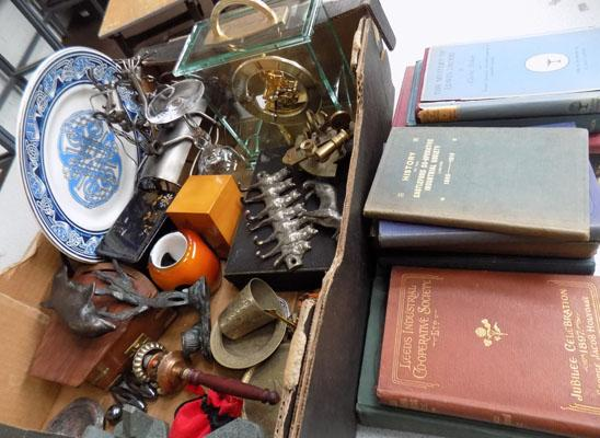 Box of collectables inc Seiko clock & vintage bowls