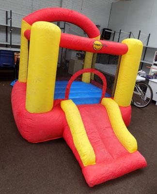 Material bouncy castle & blower ( no holes)