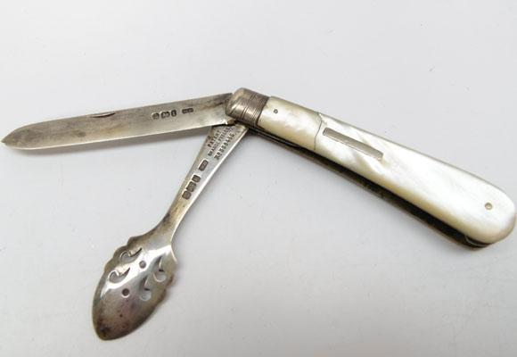 Silver & Mother of Pearl travelling knife & orange peeler 1903 Sheffield