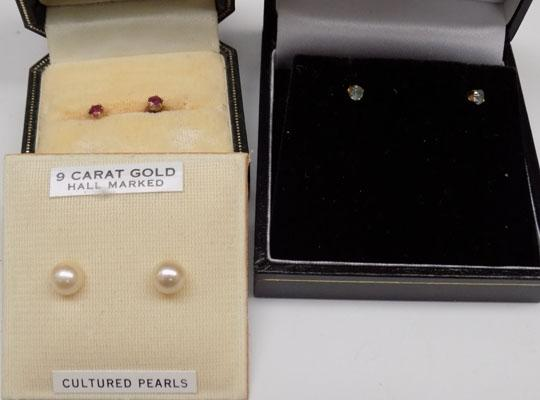 3x Pairs of 9ct Gold ear rings