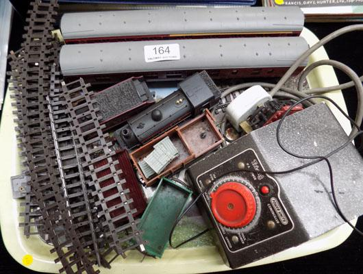Selection of vintage train items inc Hornby, Triang & power unit controller