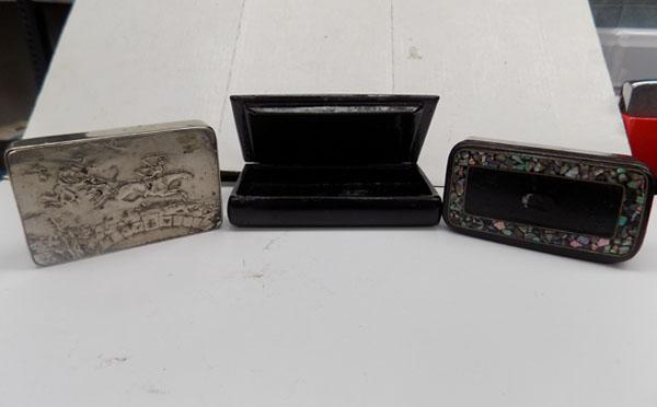 3x Vintage snuff boxes