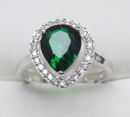 925 Silver Emerald halo ring size P