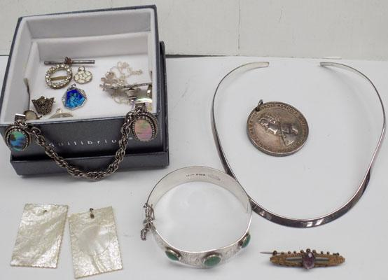 Collection of silver items & collectables
