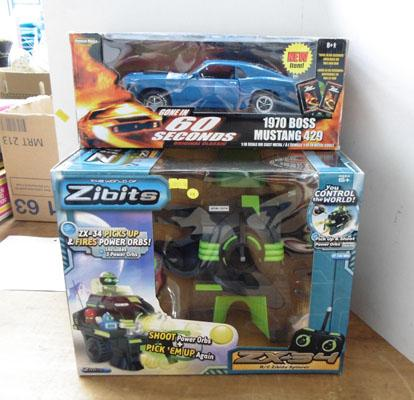 Boxed Zibits Robot new/1970 boxed Mustang 1:18 scale