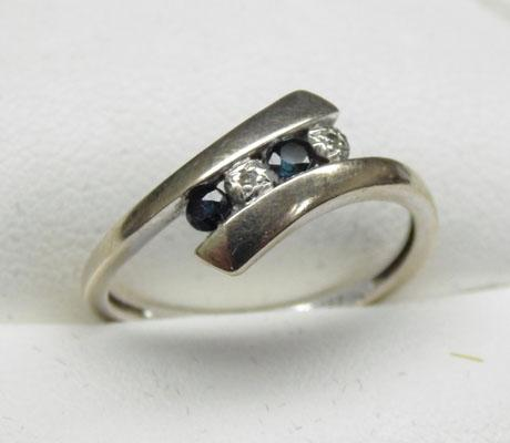 9ct Gold Sapphire ring size N