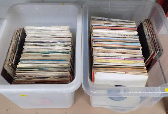2x Boxes of Pop & rock singles