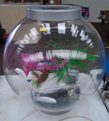 Large fish bowl, filter, airator & accessories