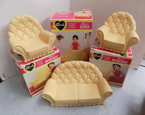 Vintage Pedigree Sindy 1970's 3 boxes, settee, 2 chairs