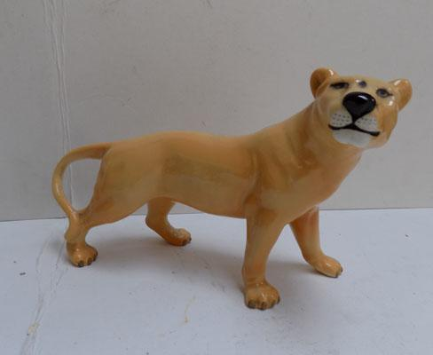 Beswick Lioness facing right issued 1967-1984