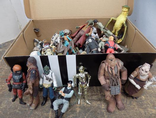 Large collection of Hasbro Star Wars figures-Goodies