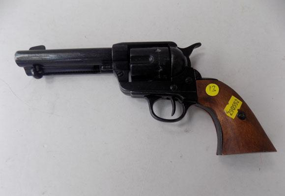 Quality metal & wooden Six shooter (reproduction)