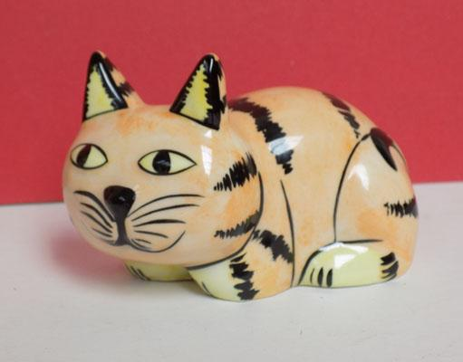 Lorna Bailey Cat laid down