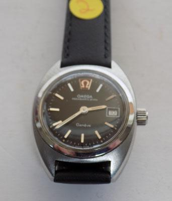 Genuine Omega Geneve mega quartz 32 KHZ watch