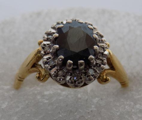 18ct Gold Diamond & Blue topaz ring