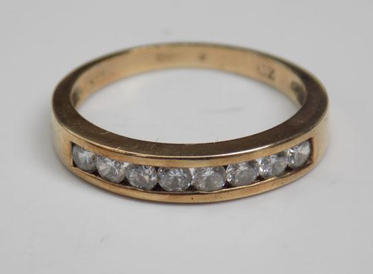 9ct Gold half eternity ring size M