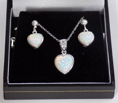 Set of silver and opal jewellery