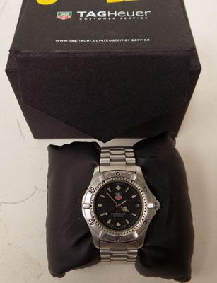 Authentic mens Tag Heuer professional watch with box and spare links