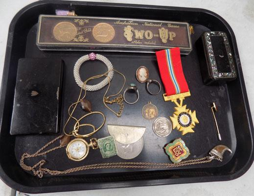 Mixed tray of collectables inc silver