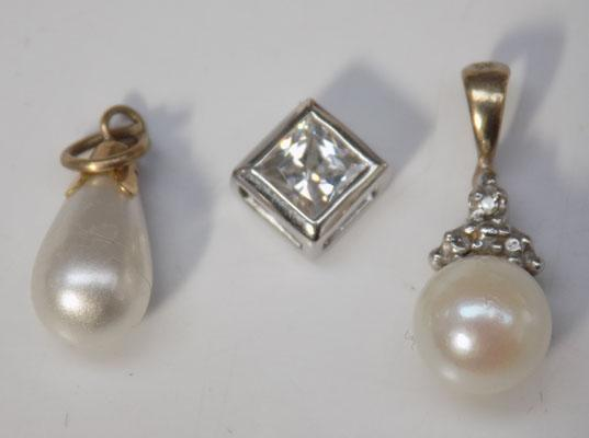 3 9ct gold pendants - one diamond and pearl