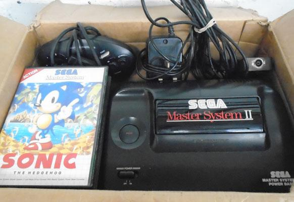Sega Master System II with games