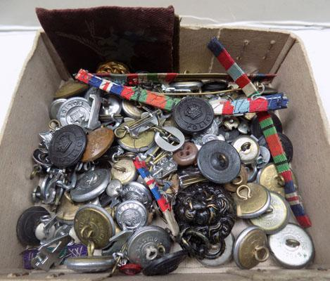 Selection of Military badges & buttons