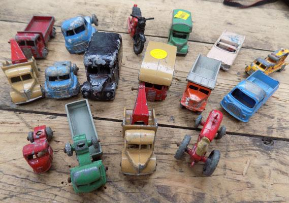 Selection of vintage die cast inc Lesney & others
