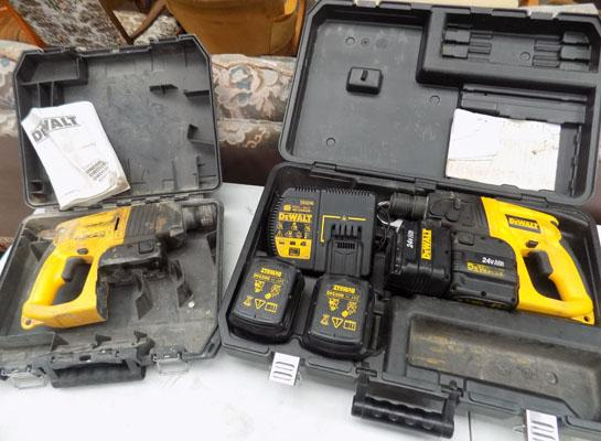 2x Dewalt hammer drills with 4 batteries & charger