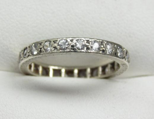 9ct Gold full eternity ring size M1/4