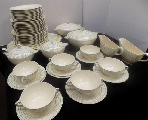 Large collection of Newhall dinner service