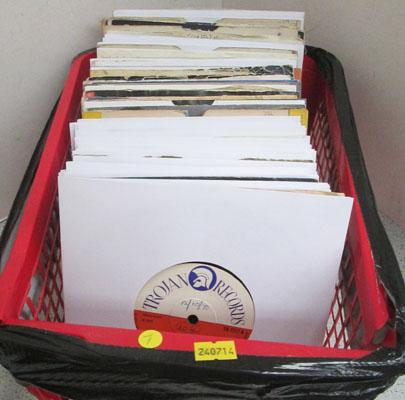 Box of singles over 100 Reggae & motown