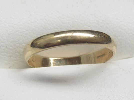 9ct Gold ring plain band size M1/2