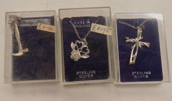 3x Sterling silver pendants & chain