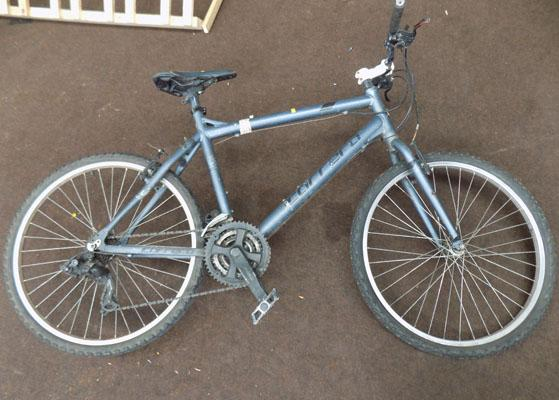 Gents Carrera mountain bike