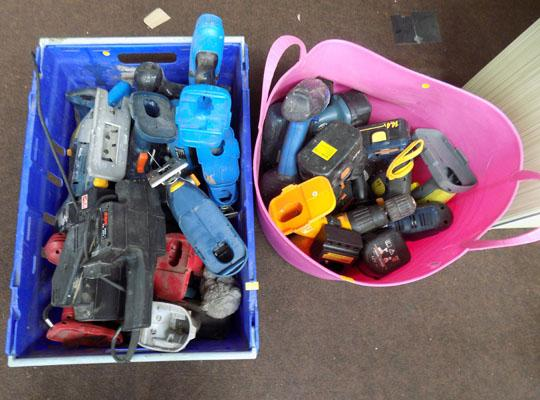 2x Tubs of cordless drills & batteries