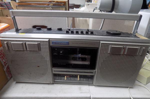 Pioneer portable stereo radio cassette player