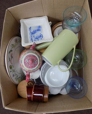 Box of mixed bric a brac