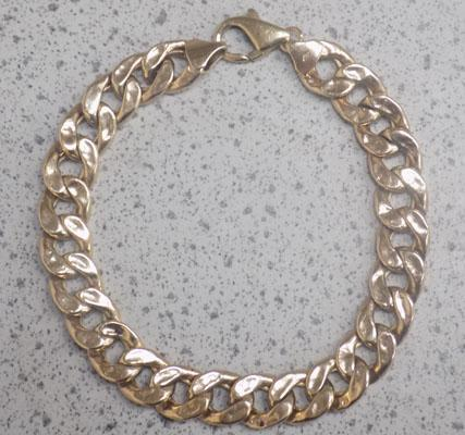 9ct Gold hollow bracelet