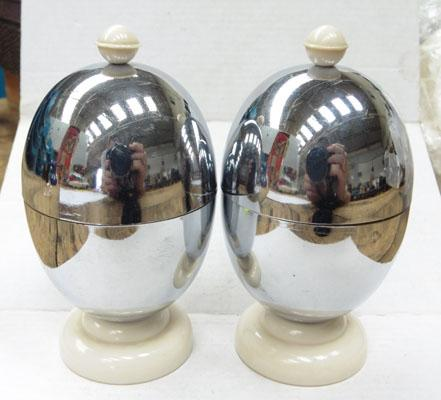 Pair of 1930 Egg warmers (heat master)