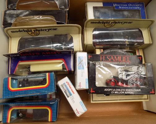 Box of collectable cars plus 3 planes
