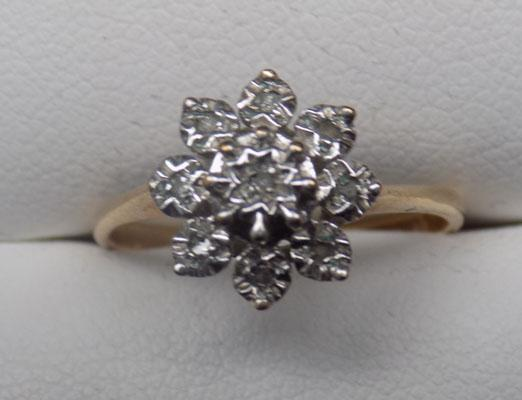 9ct Gold Diamond cluster ring size L